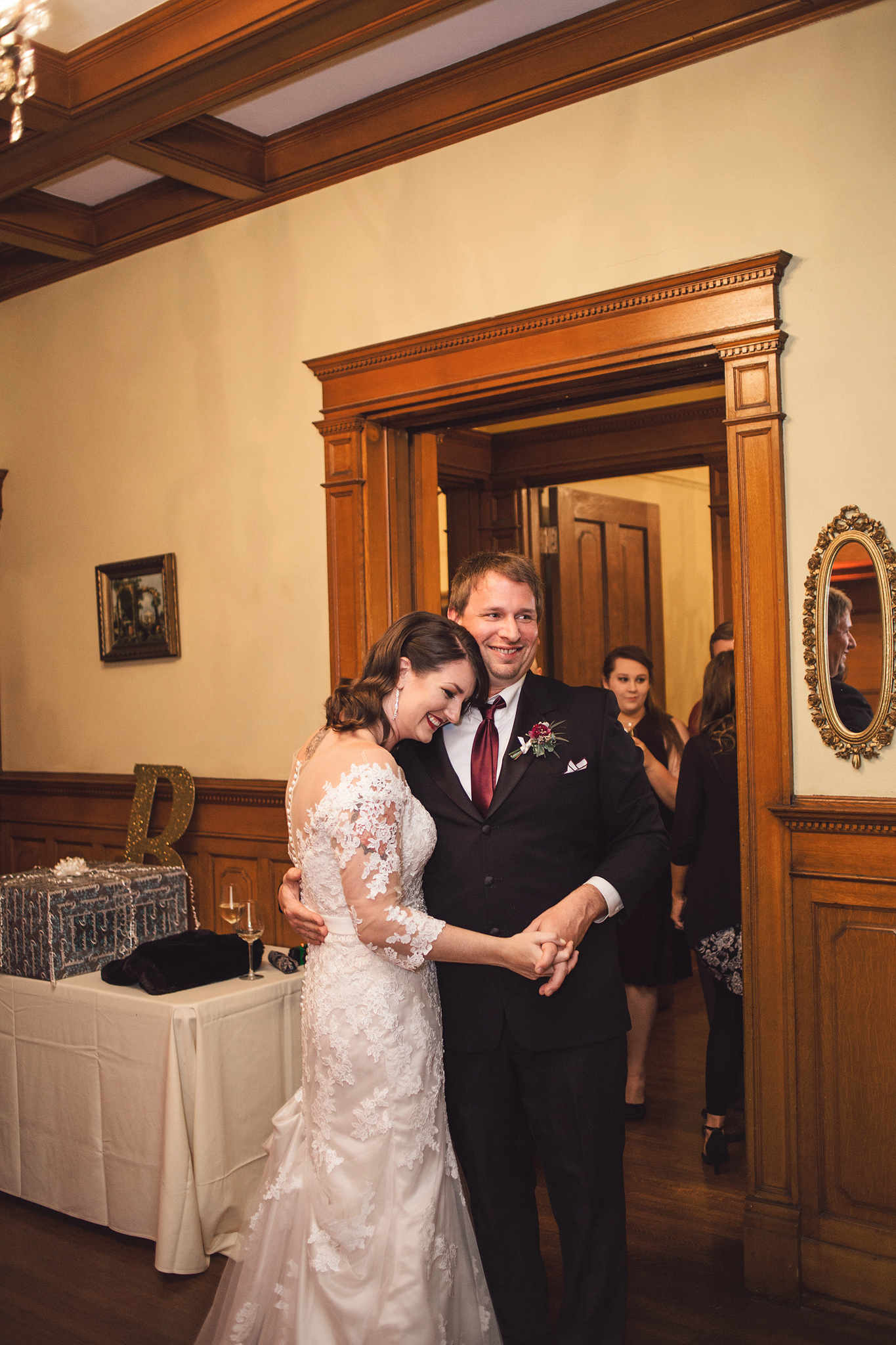 Jenna and Tim - Cincinnati Wedding Photography at Hauck Mansion (72).jpg