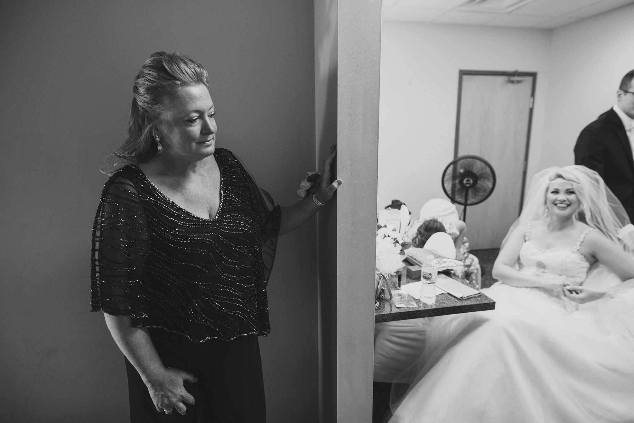 cincinnati and dayton oh wedding photographer - madison event center - priscilla and robert (117).jp