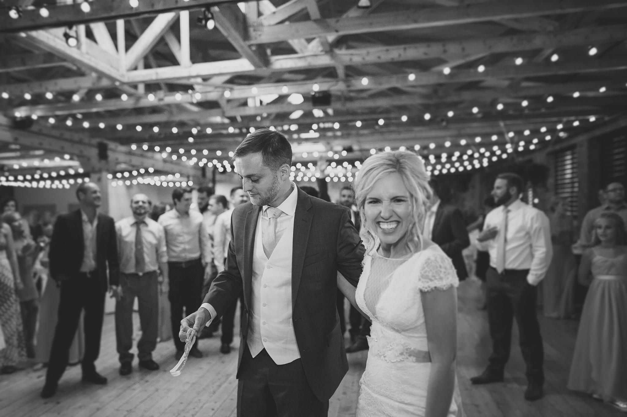 Cincinnati-Dayton-OH-Traveling-Wedding-Photographer-Rhinegeist-Brewery-Ault-Park-21C-155.jpg