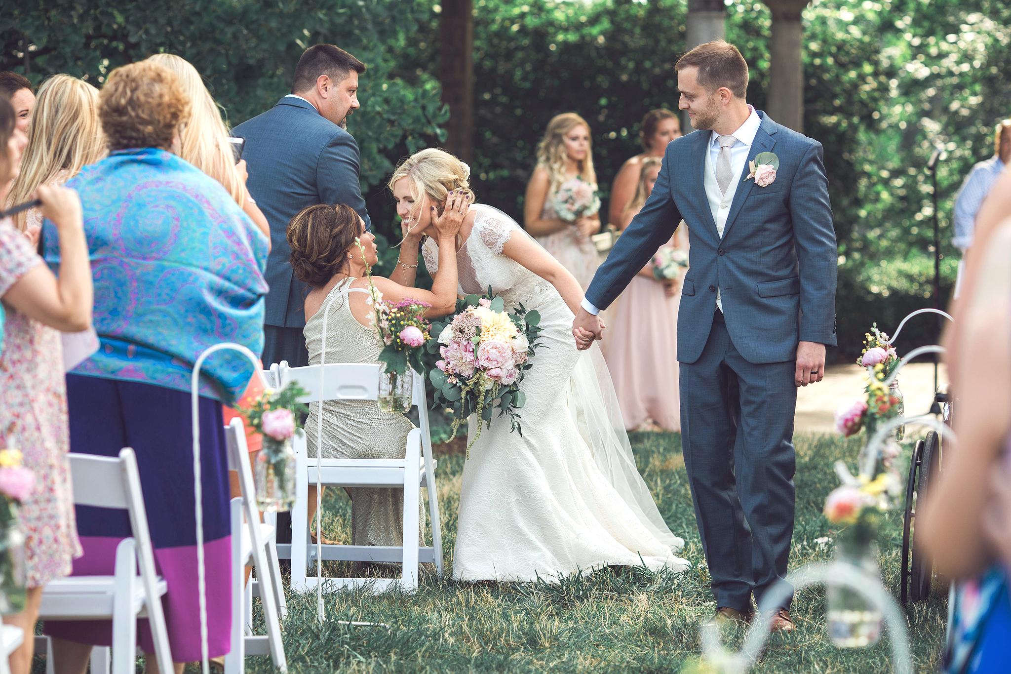 Cincinnati-Dayton-OH-Traveling-Wedding-Photographer-Rhinegeist-Brewery-Ault-Park-21C-112.jpg