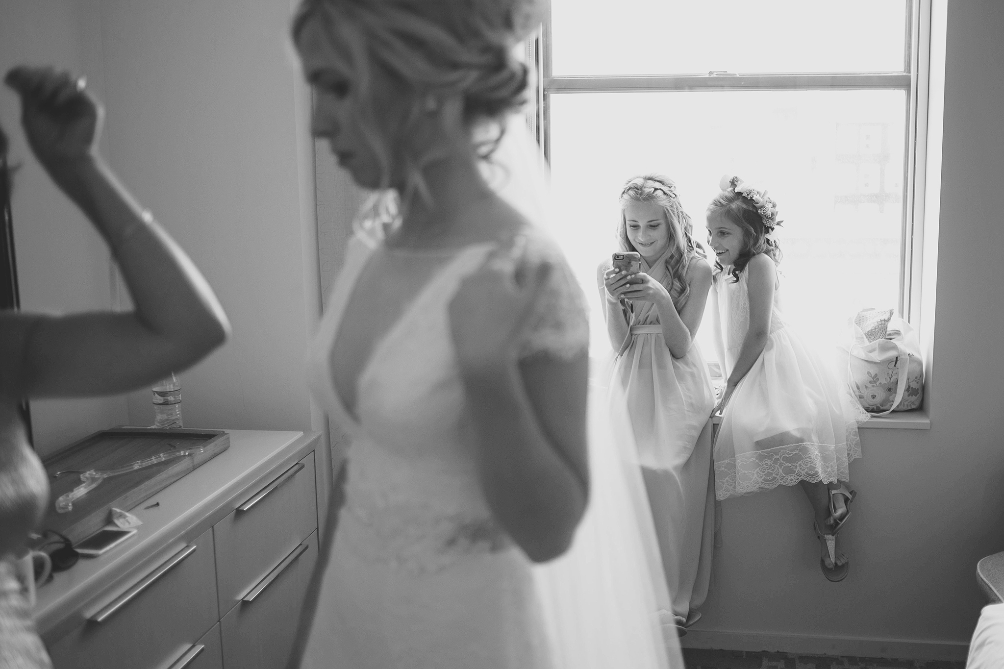 Cincinnati-Dayton-OH-Traveling-Wedding-Photographer-Rhinegeist-Brewery-Ault-Park-21C-55.jpg