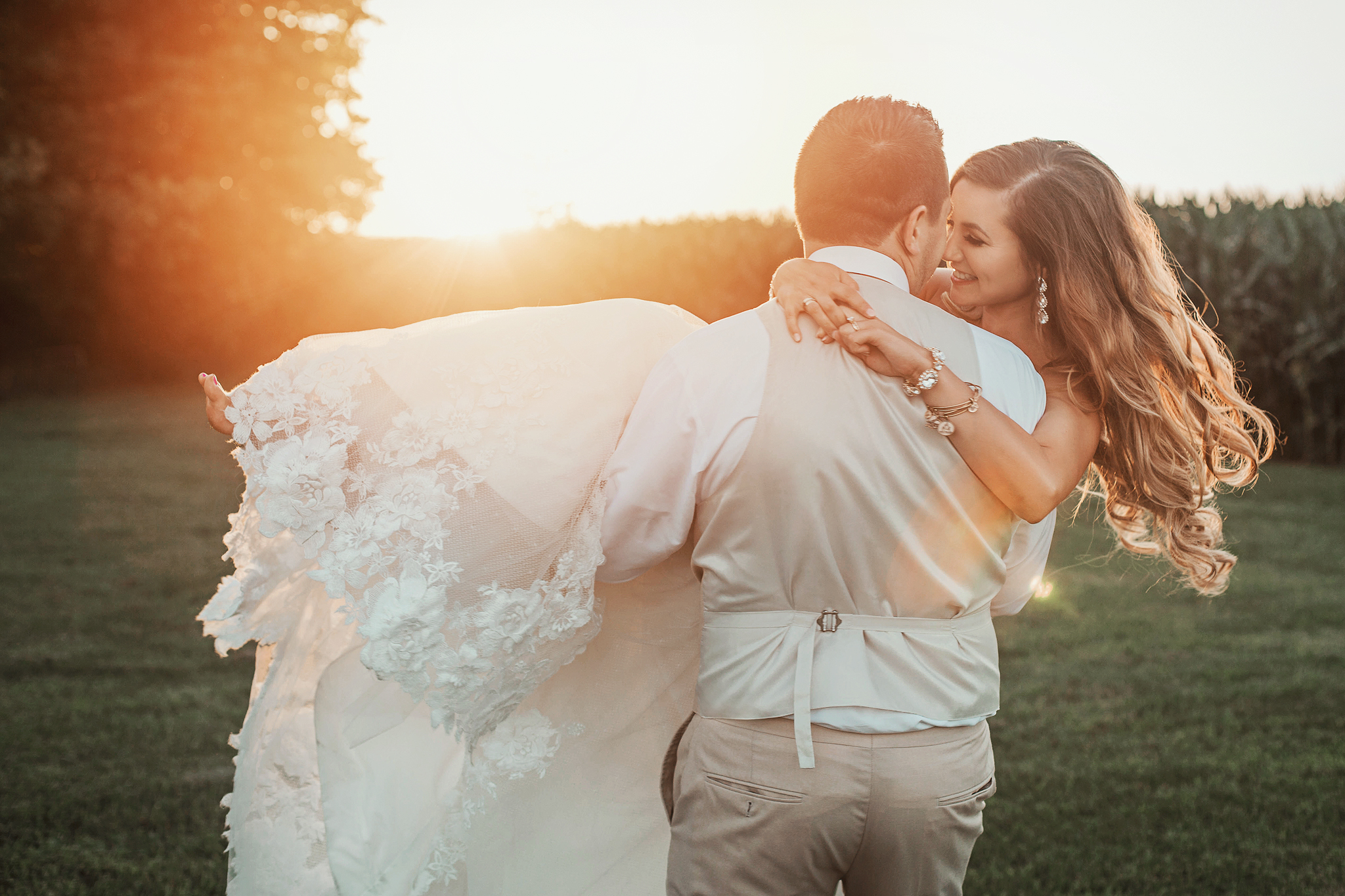 Cincinnati-Dayton-OH-Wedding-Photography-Family-Farm-Venue-Traveling-Photographer-150.jpg