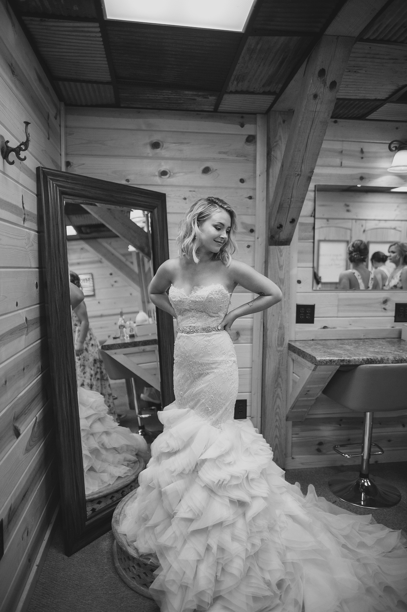cincinnati and dayton ohio wedding photographer - rolling ranch meadows (48).jpg