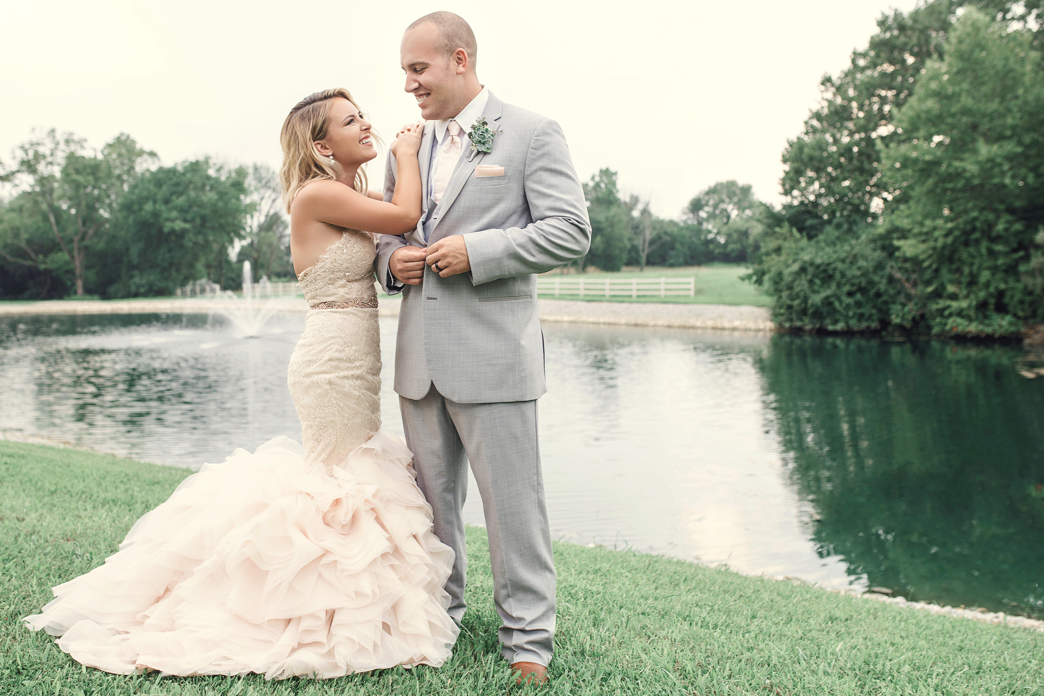 cincinnati and dayton ohio wedding photographer - rolling ranch meadows (118).jpg
