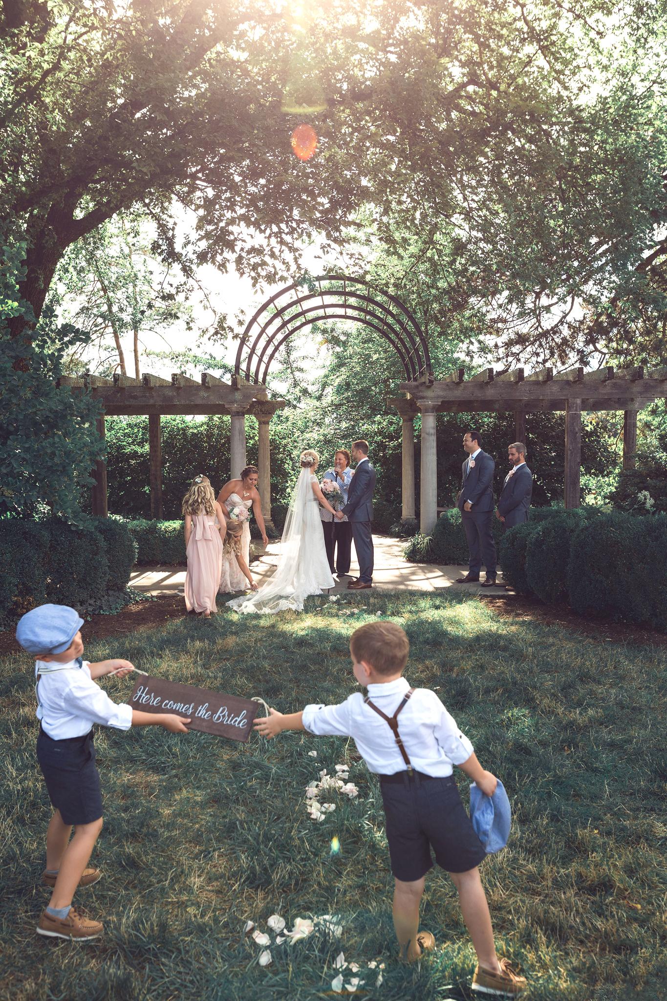 Cincinnati-Dayton-OH-Traveling-Wedding-Photographer-Rhinegeist-Brewery-Ault-Park-21C-96.jpg