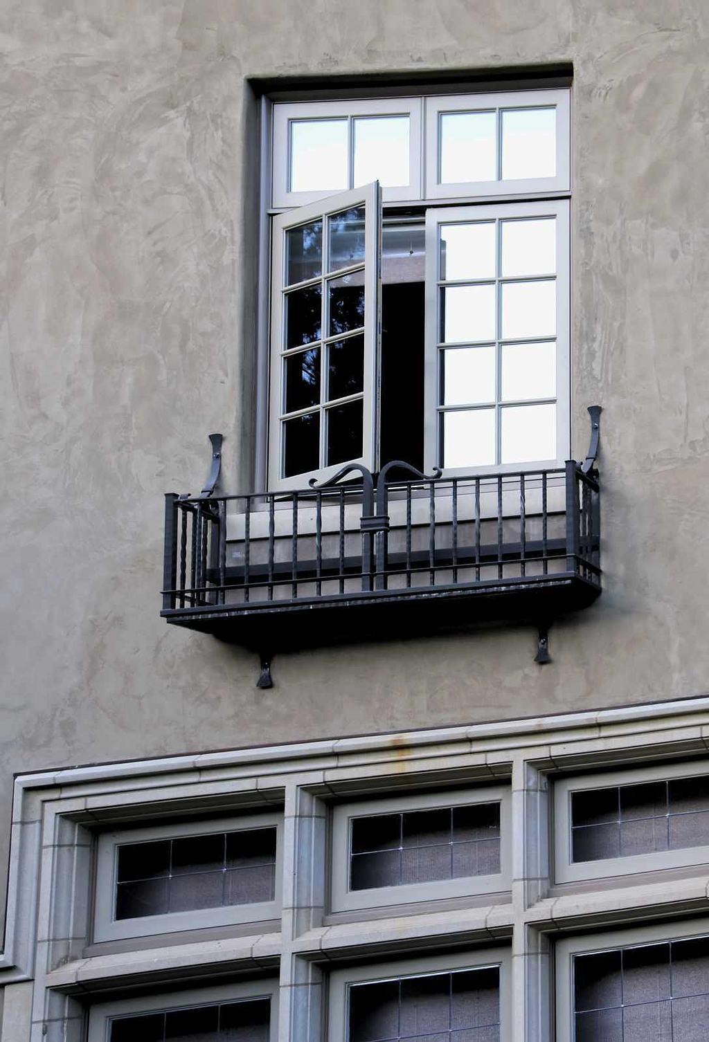 window-1_hdr2.jpg