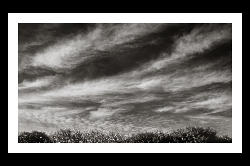 296-BEACHCLOUD-BW-V3-960x640h-.jpg